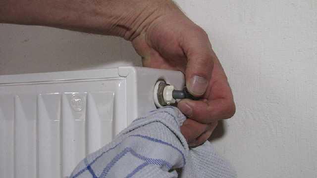 Heizkörper Abdeckung Entfernen heizkörper abbauen ohne wasser ablassen eine anleitung mit bildern